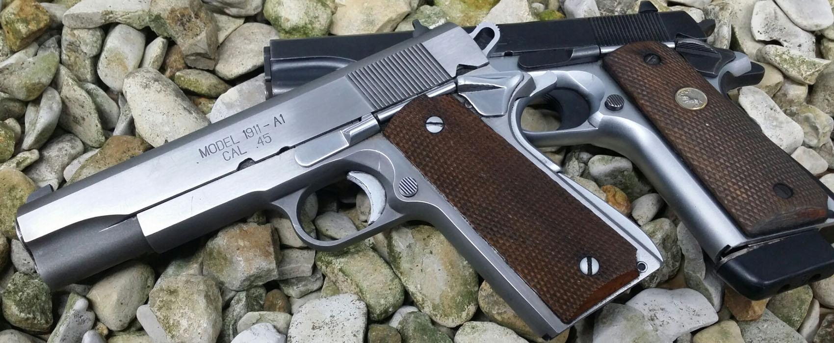 Zwei Pistolen Typ Colt 1911